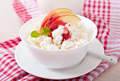 cottage-cheese-apple-berry-syrup-sour-cream-breakfast-close-up-53516142